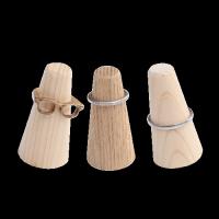木のリングスタンド