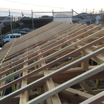 間々田の家 建て方、屋根工事
